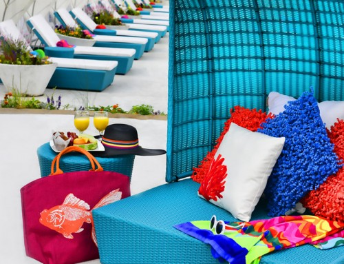 Poolside stage lounge